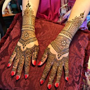 Very beautiful Arabic heena design
