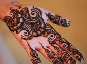 Beautiful mehndi design of My sister