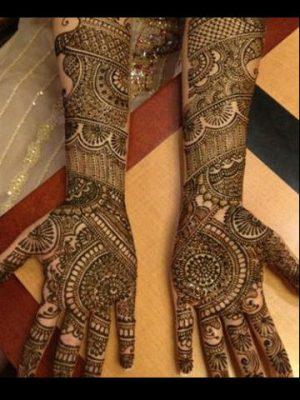 Stunning Mehendi Design