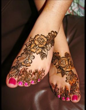 Beautiful Floral Mehndi Design