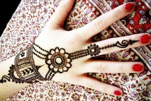 Bracelet mehndi Design for Gujarati Bride