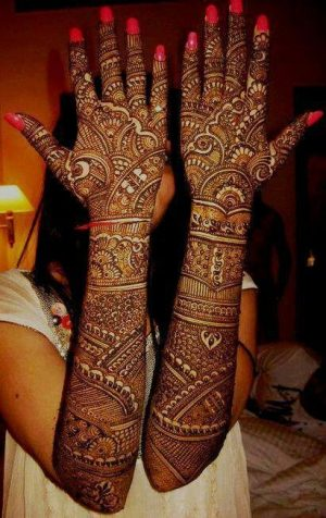Full Back Mehendi Design