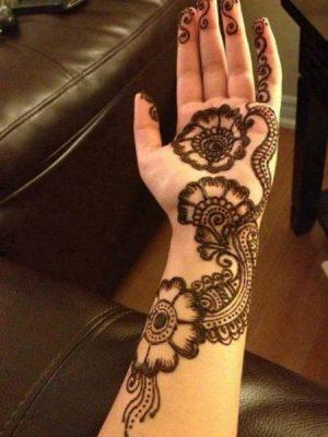 Half Hand Mehendi Design