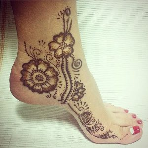 Floral Mehendi Design for foot