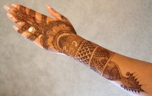 Back Hand Full Mehendi Design