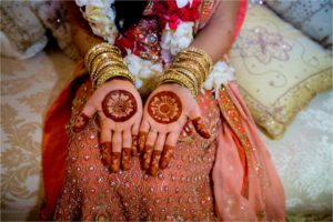 Simple and Innocent bridal mehendi design