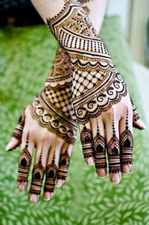 Raatrani style mehndi design