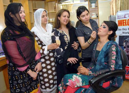 Rani makeup beauti Parlour