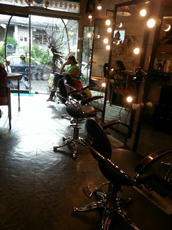 Mad O Wot Salon