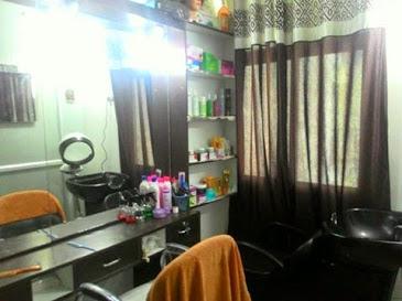 Glam-Up Beauty & Makeup Salon