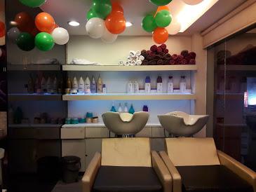 Head Turners Hair & Spa Salon,Sahid Nagar