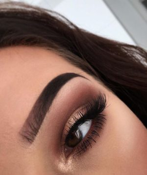 Eyes makeup with Light maroon color shade