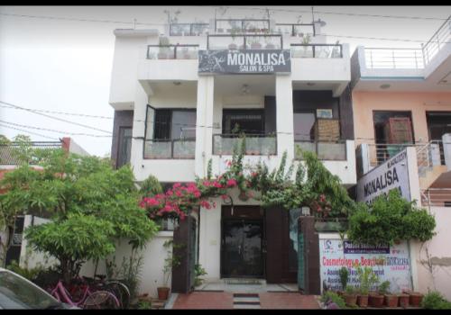 Monalisa Salon & Spa