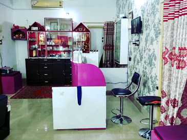 Pravas Beauty Salon & Spa (Ladies only)