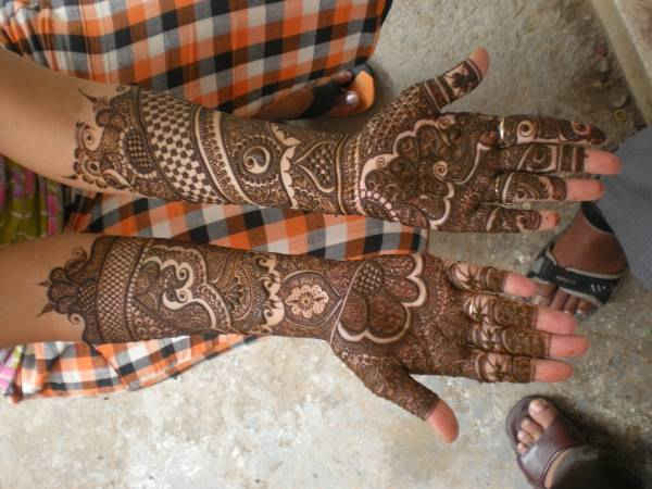 The Mehendi World Artist