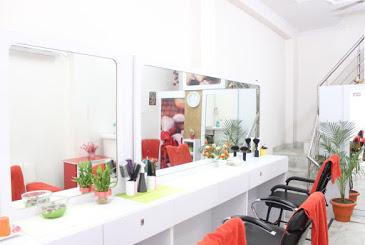 Care Beauty Parlour (bridal Makeup Artist) Haridwar