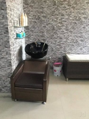 Advance Cut Unisex Salon
