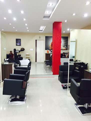 Miracle Beauty Parlour