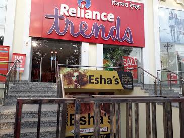 Esha's Salon - Best Makeup in Jhansi