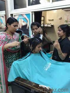 Nirmiti Beauty Parlour