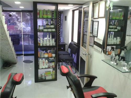 Roop Shringar Men's Parlour