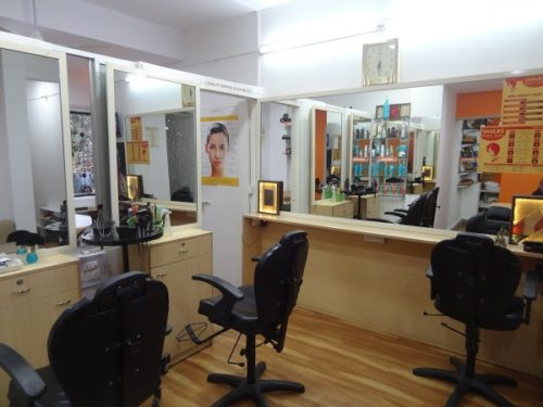 SMILES BEAUTY SALON ( Only for Ladies )