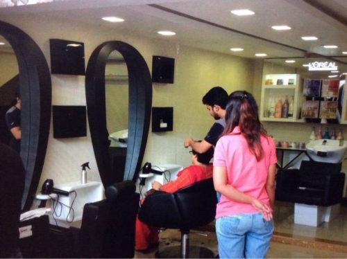 Anisha A.C. Beauty Parlour