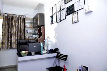 Gomati Beauty Clinic