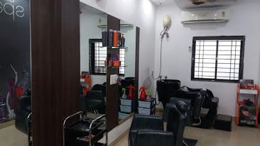 Refresh Herbal Beauty Parlour Training Center