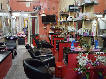 Dreamgirl beauty parlour