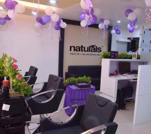 Naturals salon solapur