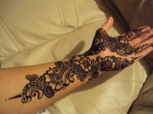 Too Cool looking mehendi design
