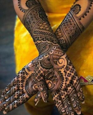 Black color mehendi design