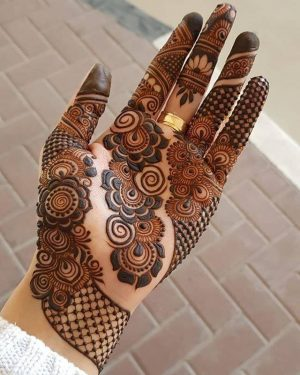 Awesome looking Beautiful Palm Mehendi Design